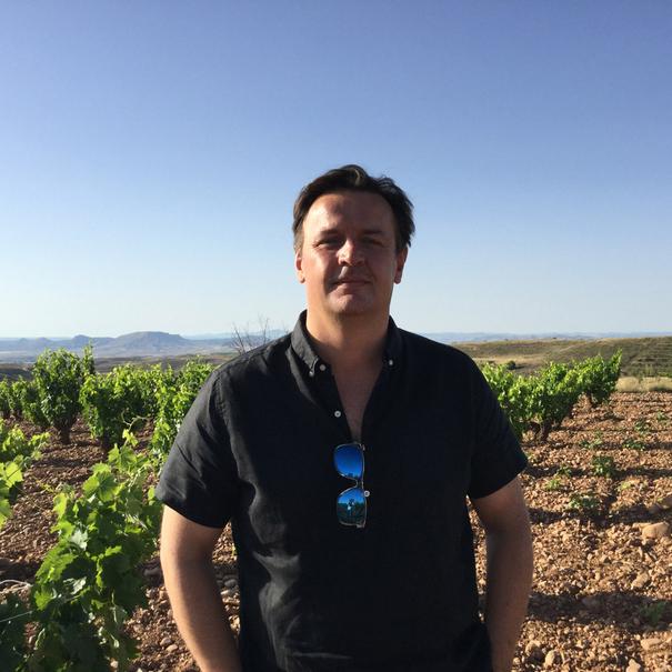 Norrel Robertson en el viñedo Los Narros